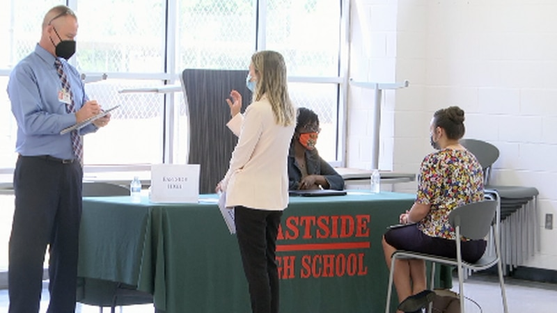 Alachua County Pubilc Schools host job fair to combat teacher shortage