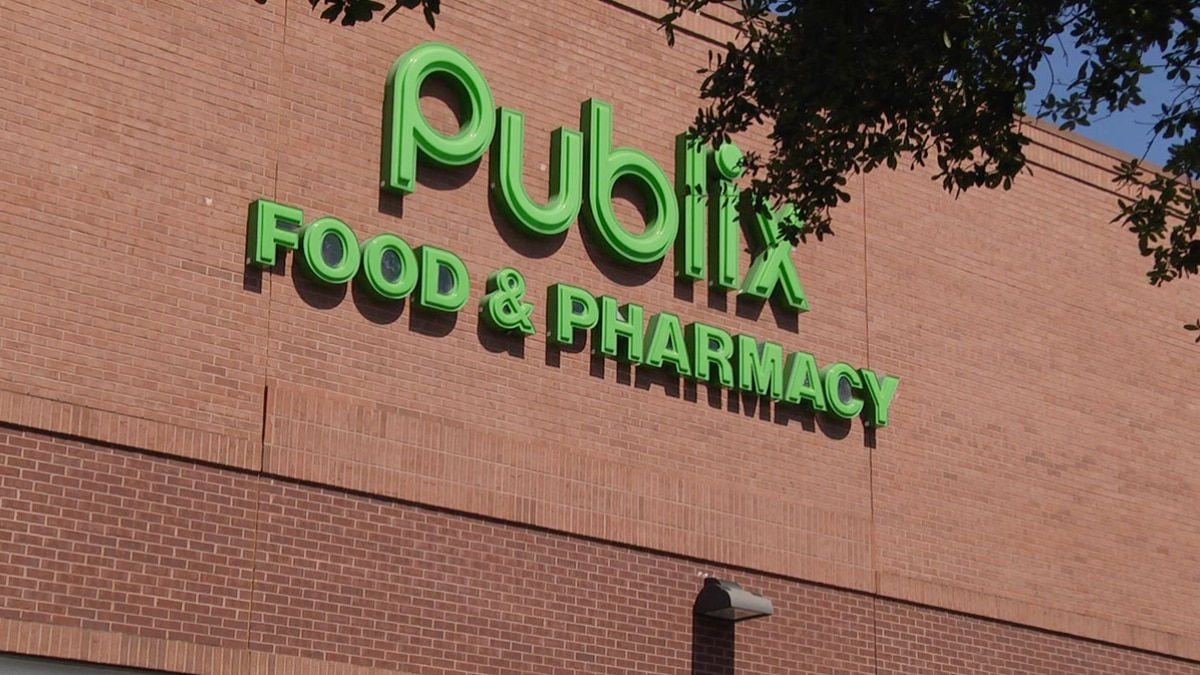 The grocery chain reopened its COVID-19 vaccine scheduling portal for the first time in over a...