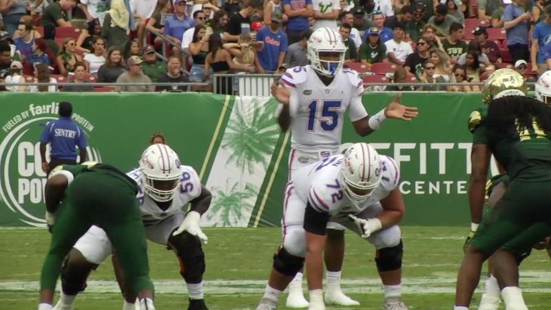 Florida quarterback Anthony Richardson prepares to take a snap during the Gators win against...