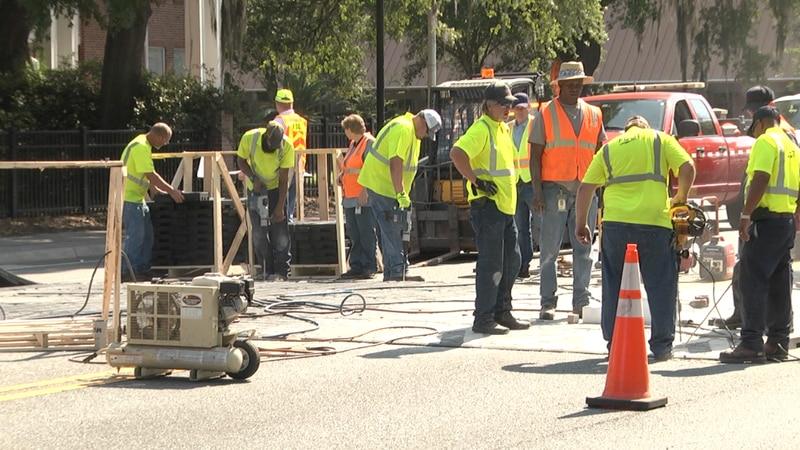 FDOT installs temporary speed tables along University Ave.
