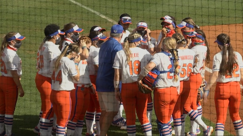 The Gators Softball team huddles up before their matchup with Louisville Sunday morning.