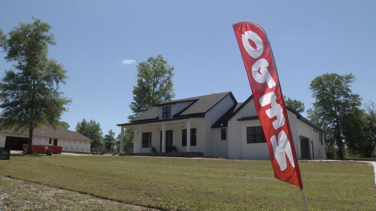 One of the six homes shown over the weekend at 426 SW Pinehurst Dr.