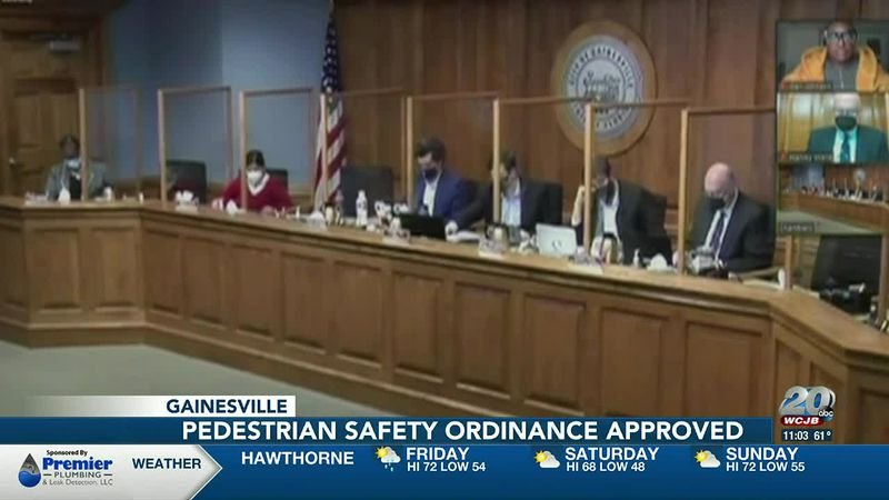 Gainesville city commissioners approve Pedestrian Safety Ordinance, restricting panhandling