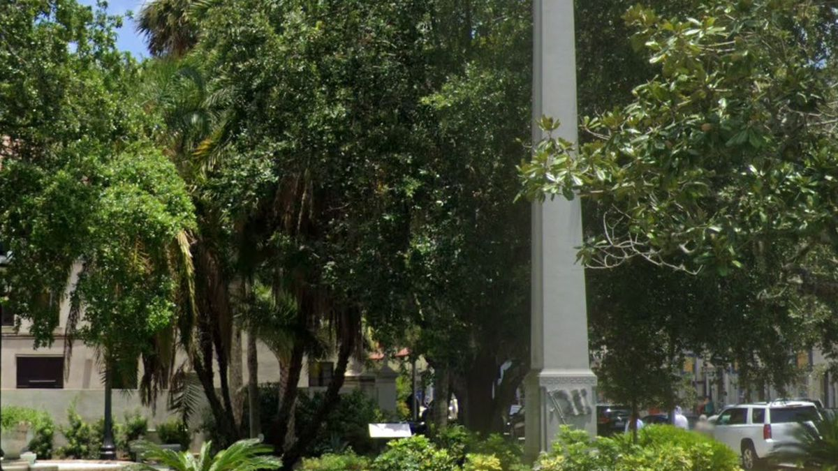 The William Loring memorial was taken down by the University of Florida.