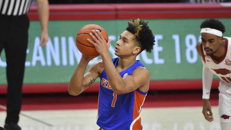 Florida guard Tre Mann (1) shoots a free throw against Arkansas during the second half of an...