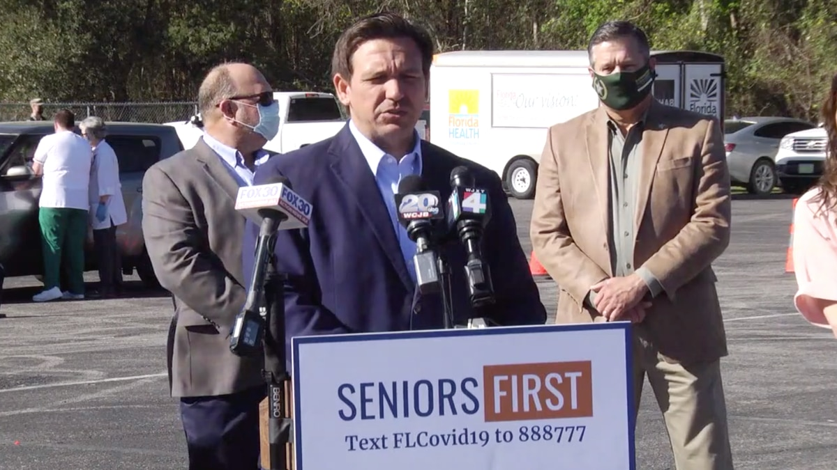Gov. Ron DeSantis sets up a new vaccine site in Lake City.