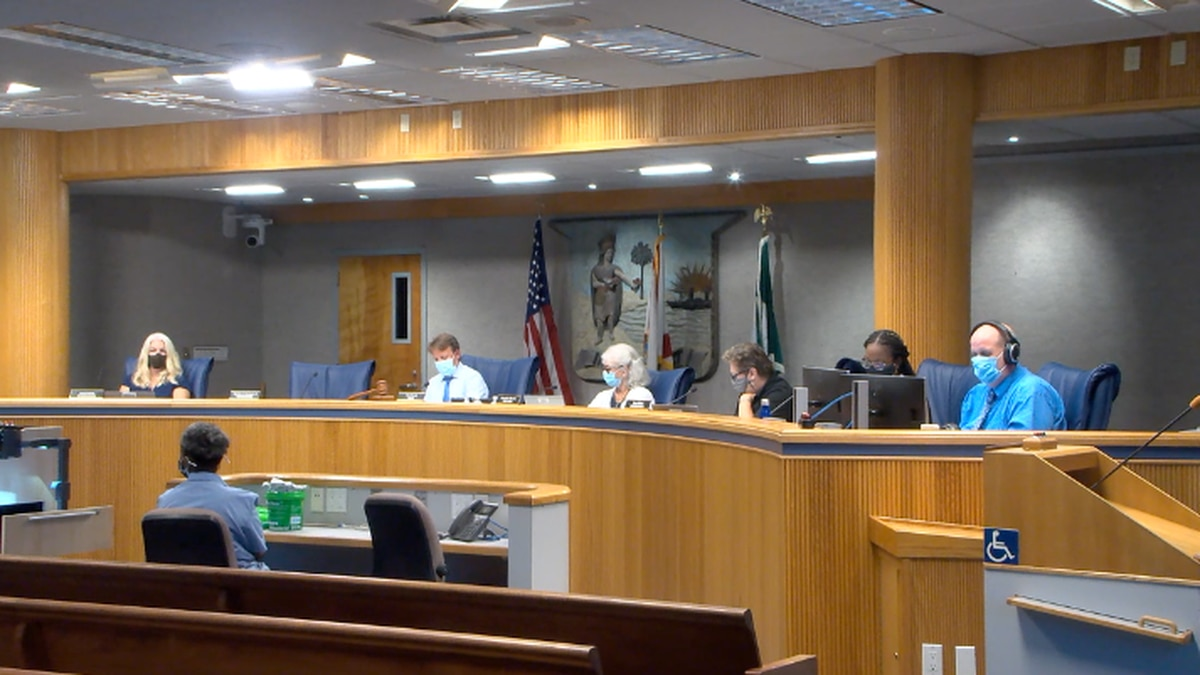 Alachua County commissioners voted to draft an emergency order requiring masks.