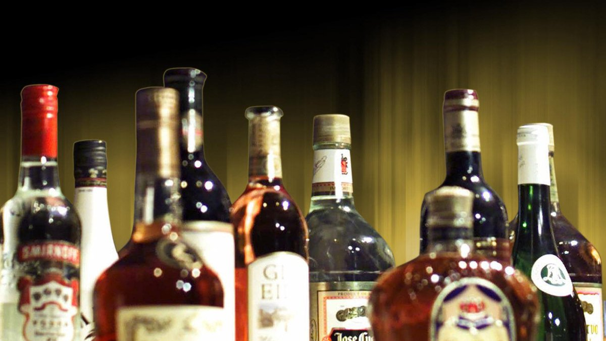 Drinking alcohol in bars in Florida has been suspended.